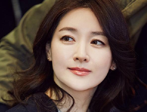 kecantikan alami artis cantik korea