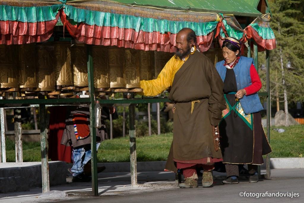 Molinos de plegaria estacionarios (Tibet)