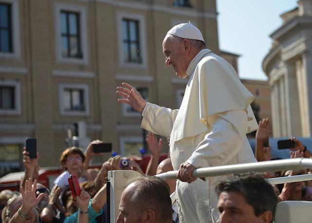 Paus Fransiskus Minta Umat Kristen Tidak Eksploitasi Agama untuk Kepentingan Politik.lelemuku.com.jpg