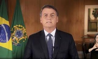 Bolsonaro contraria especialistas e autoridades