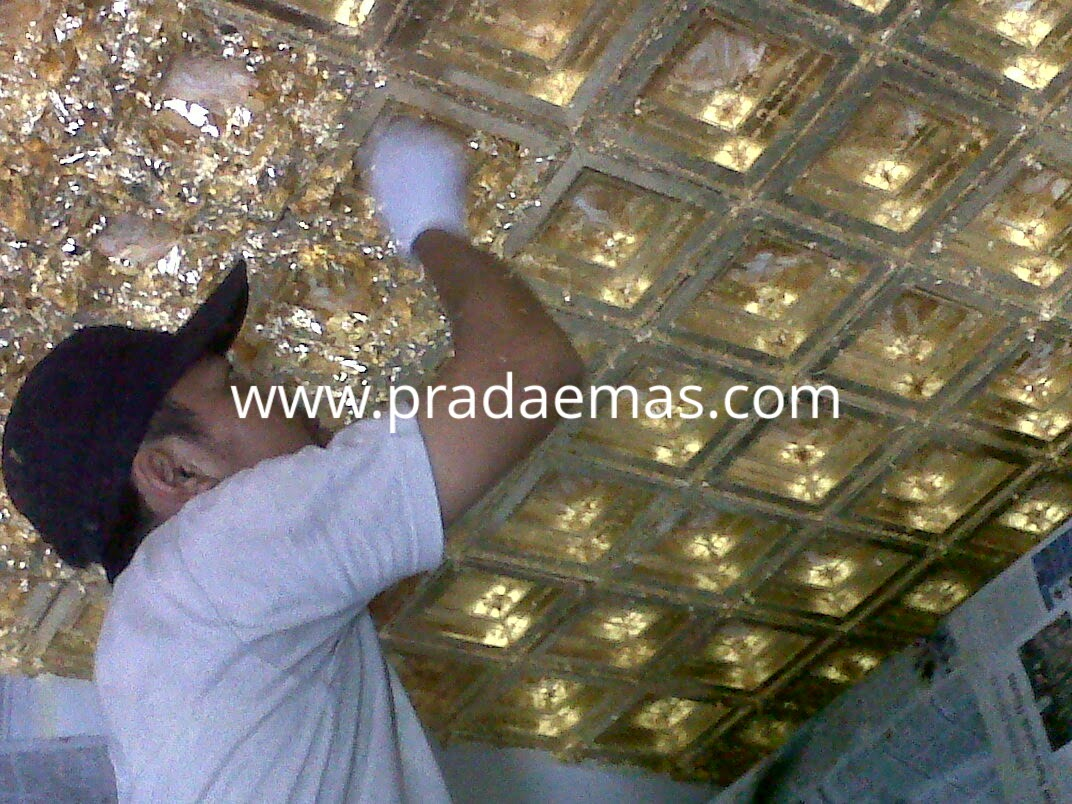 proses finishing gold leaf pada plafon