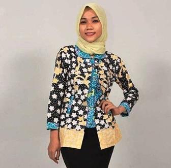 Cara Memadukan Jilbab Dan Batik Untuk Pergi Ke Kantor