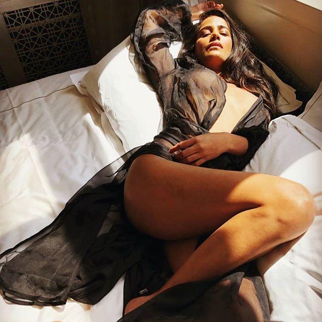 Poonam Pandey Hot & Sexy Pics