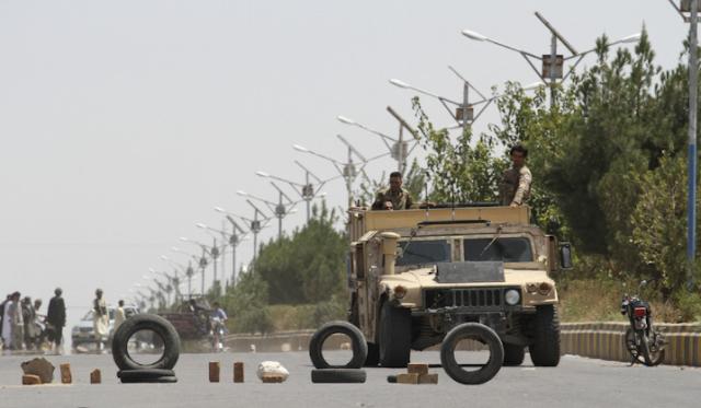طالبان تجتاح معظم قندوز مع تمسك الجيش الأفغاني بمطار المدينة الاستراتيجي - تقارير