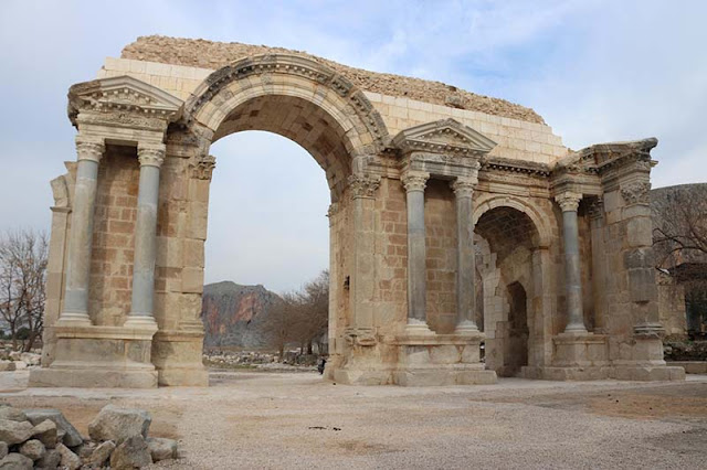 Αποκατάσταση θριαμβικής αψίδας στην Ανάζαρβο