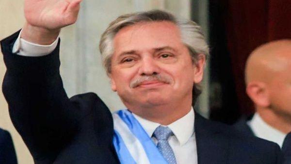 Presidente argentino pide terminar con el lawfare como recurso político