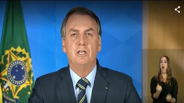 Bolsonaro pede na TV 'volta à normalidade' e fim do 'confinamento em massa' e diz que meios de comunicação espalharam 'pavor'