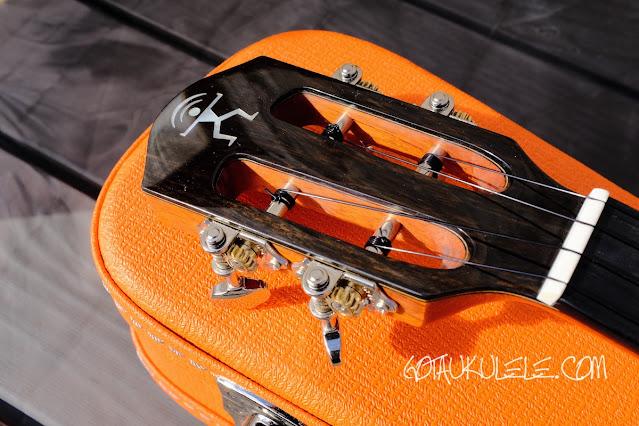aNueNue Lion Orange UT Ukulele headstock