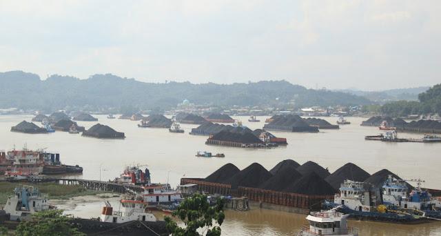 'Sidang Rakyat' Tuntut Batalkan UU Minerba Yang Baru