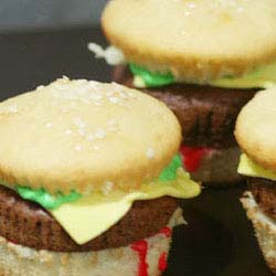 how to make hamburger looking cupcakes DIY