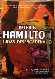 Portada del libro Judas desencadenado, de Peter F. Hamilton