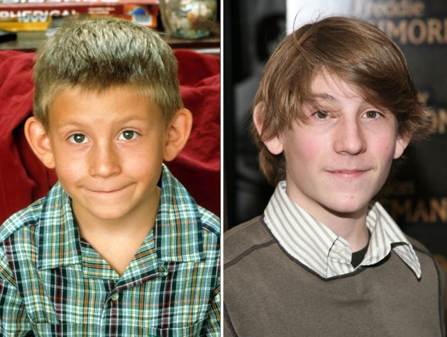 Hollywood Child Stars: Fame and Struggle to Success ... |Malcolm In The Middle Reunion Dewey