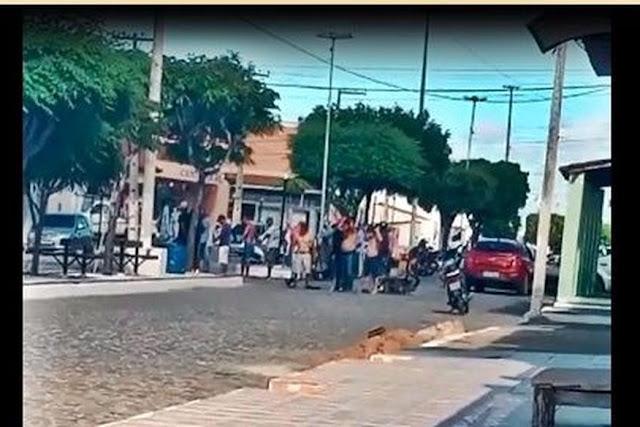 Grupo armado aterroriza moradores, assalta comerciantes e faz reféns no município de Assunção, neste sábado