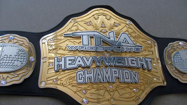 Korábbi TNA Világbajnokot szerződtetne a WWE