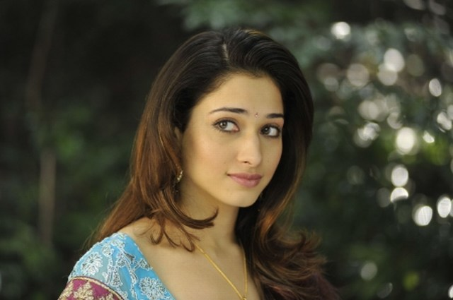 Hot Look Tamanna Images In Full Hd