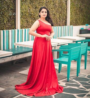 Surabhi Tiwari actress