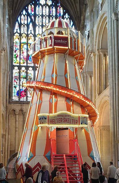 Torre tobogã na catedral anglicana de Norwich.