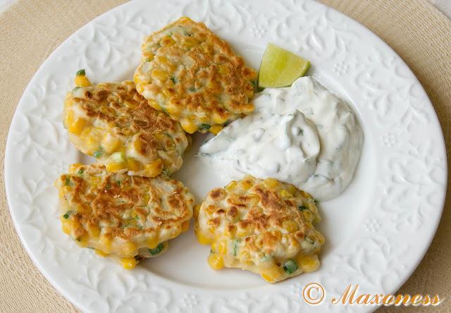 Кукурузные оладьи с йогуртовым соусом от Гордона Рамзи