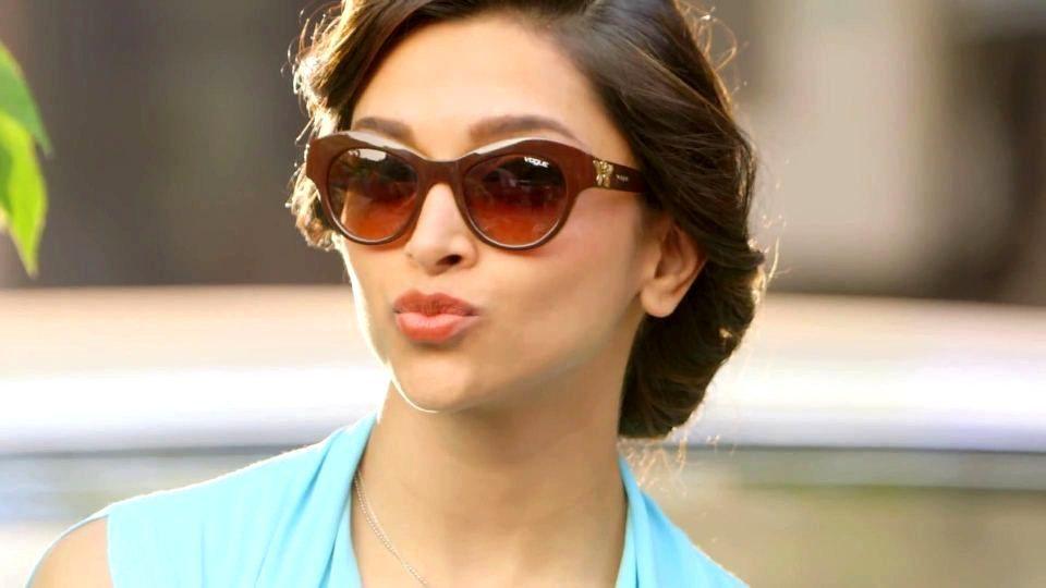 Actress Stills: Stylish Sunglass for Girls | Deepika ...