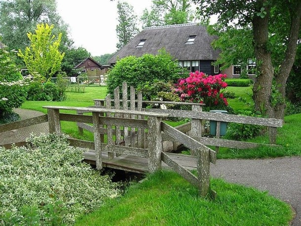 Laptop Travel: Giethoorn, Netherlands - Image 3 - Lounging at the Waldorf