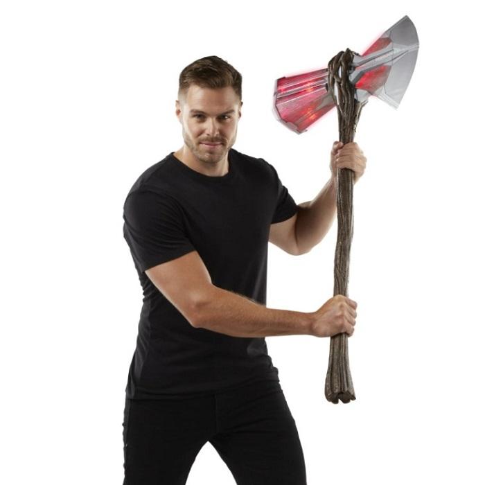 Hasbro Avengers Endgame Thor Stormbreaker Light Sound Effects
