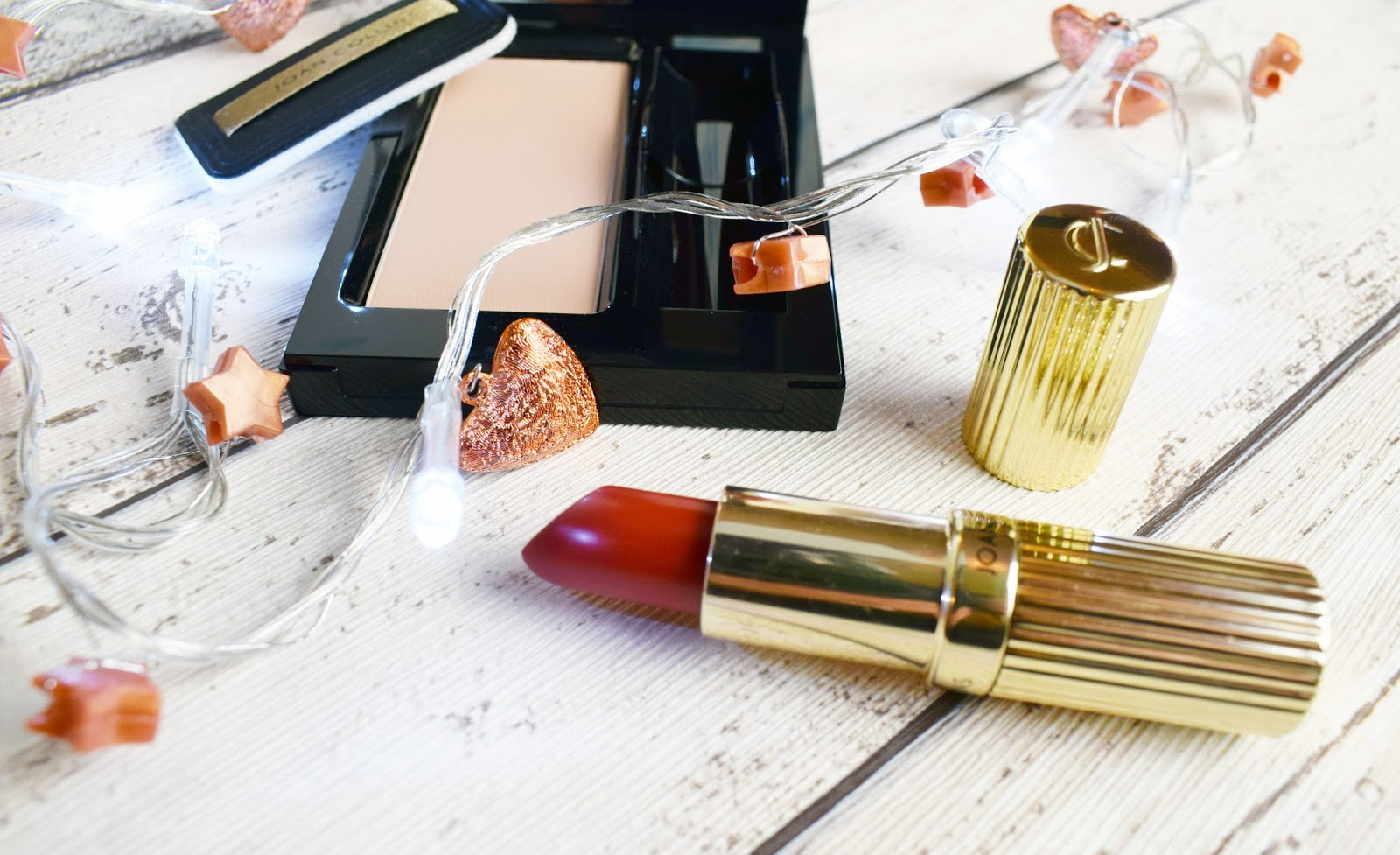 lebellelavie - The Timeless Beauty of Joan Collins compact duo*