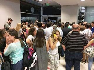 El chiste movilizó a toda la seguridad, hizo desviar un avión y generó pánico