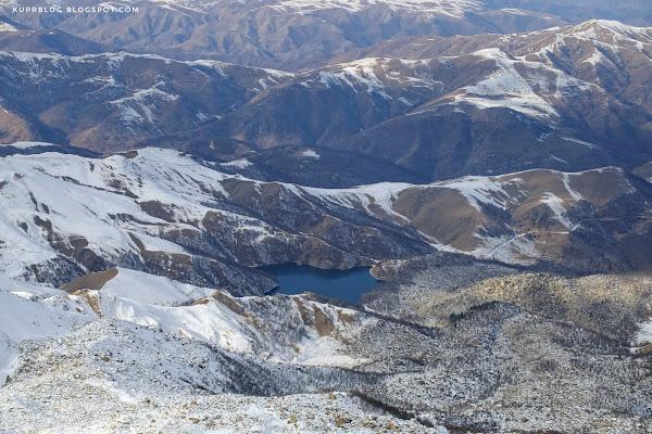 Вид на Маралгёль с вершины Кяпаза