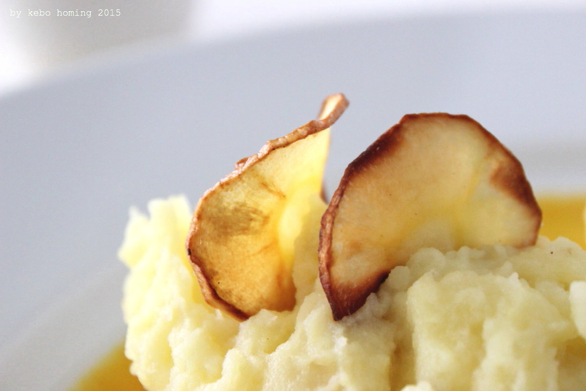 Rezept, Kochen, Foodblog, Südtirol,  kebo homing, Schweinekarree, Schweinsbraten, Kartoffelpüree, Kartoffelbrei, Stampf, Pastinaken, Wurzelgemüse, Bratensauce