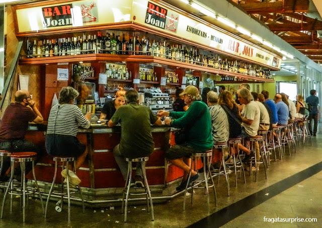 Restaurante no Mercat Santa Caterina, no bairro do Born, Barcelona