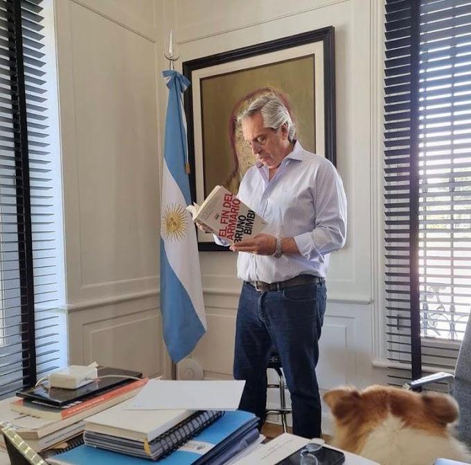 Fernández criticó a la Justicia española por retirar libros LGBT de las escuelas