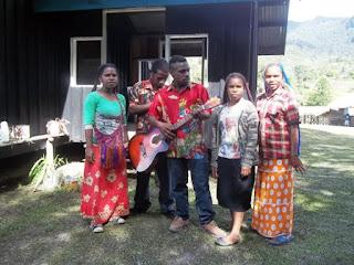 Ibadah Gabungan 3 Denominasi Gereja di Distrik Ilugwa, Mamberamo Tengah