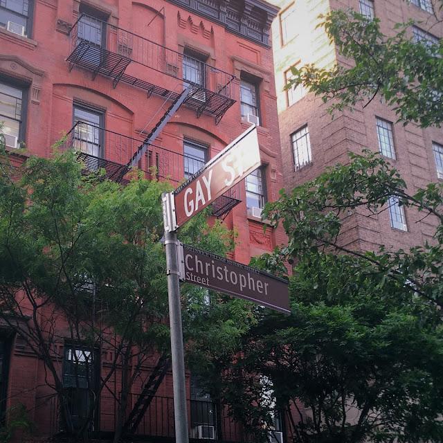 Uma-miúda-em-Nova-Iorque-3-armazem-de-ideias-ilimitada-gay-street
