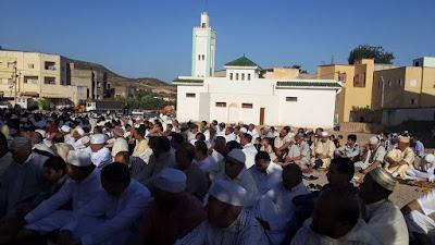 مراسيم صلاة عيد الفطر بمسجد الغروسات ببلدية المنزل ( بالصور)