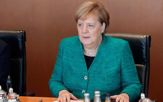Μέρκελ: Να απασχολήσει το ΝΑΤΟ η τουρκική εισβολή στη Συρία