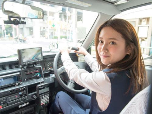 Sopir Taksi Paling Cantik