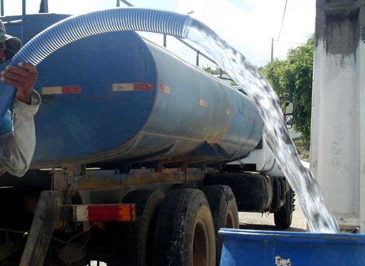 Prefeitura de Juazeiro leva água potável para zona rural após suspensão da Operação Carro-Pipa - Portal Spy Notícias Juazeiro Petrolina