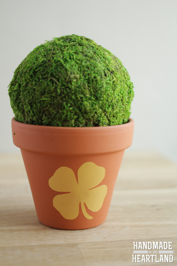 St. Patricks Day Gold Shamrock Painted Flower Pot