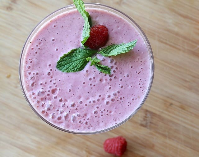 almond berry kale vegan smoothie gluten free shake frugal fitness recipe