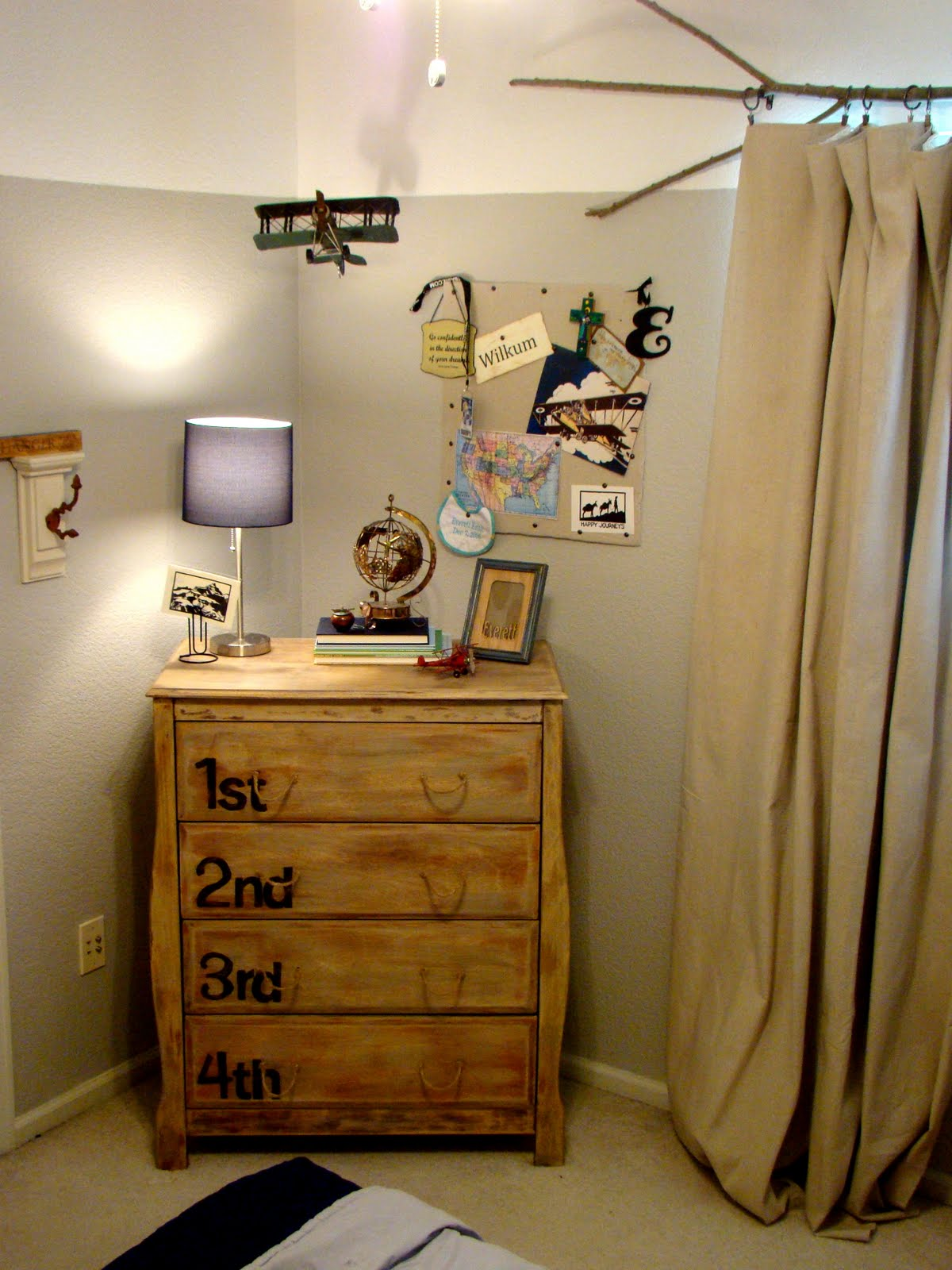 Airplane Bedroom Decor: From Gardners 2 Bergers: Reader Feature: Boy's Vintage