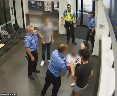 لحظة إنقاذ شرطي رضيعة من الاختناق فى اخر لحظة .. شاهد الفيديو