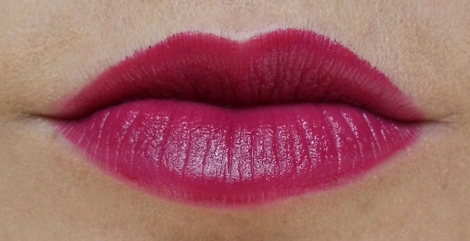 loreal-color-riche-laetitias-pure-red-lips-lipstick-swatch-shade-picture