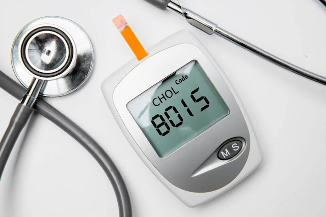 7 Ciri-ciri dan Gejala Kolesterol Tinggi Yang Harus Di Cek Ke dokter, Cek Kondisimu ya