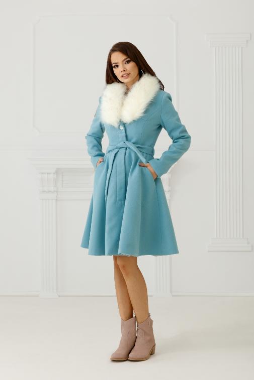 Palton elegant ieftin si frumos din stofa bleo cu blana alba la guler