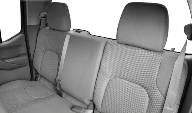 backseats-of-2020-frontier-pro-4x-nissan