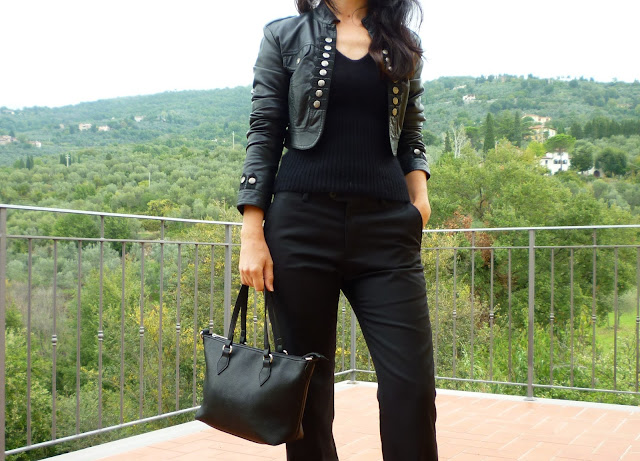 total black look casual women