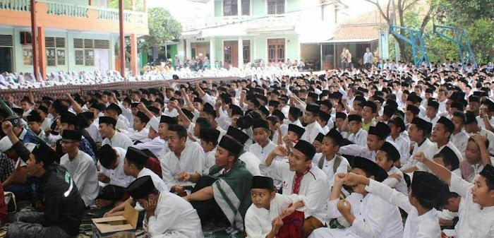 1 Milyar Shalawat Nariyah Mulai Digelar Peringati #HariSantri Nasional 22 Oktober untuk Keselamtaan Bangsa