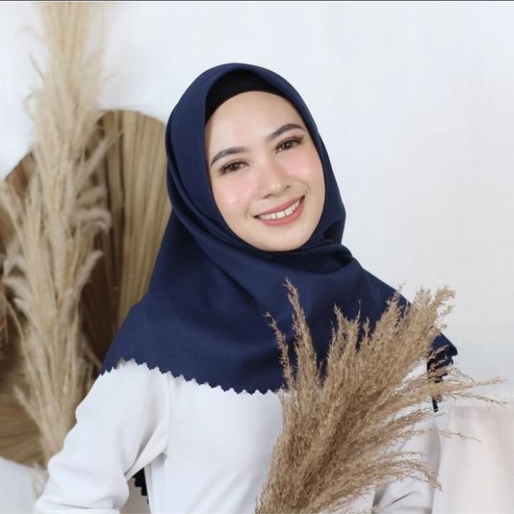 Jilbab Segi Empat Voal Premium Azara Terbaru - Hijab Voal Original Waterproof