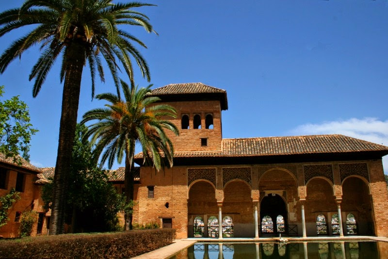 Cycling in Andalucia, visit the Generalife gardens in the Alhambra