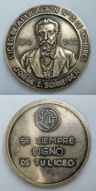 Medalla Liceo de Aplicación